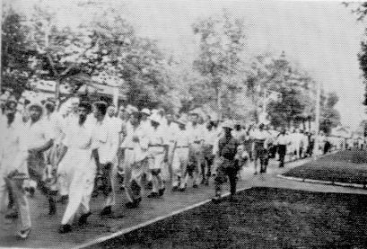 Allied POWs on their way to the POW camps, Java Island 1942